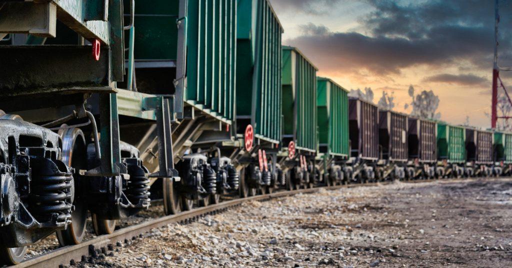 encuentran-24-migrantes-escondidos-vagon-tren-texas